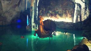 über cool cave Linderhof